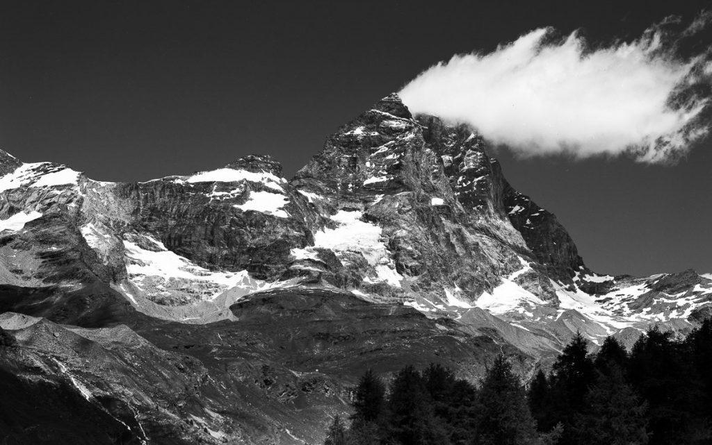 @thedarkshed The Matterhorn 🎞 : @ILFORDPhoto #delta100 📷 : #4x5 #largeformat 🌎 : #italy #ilfordfridayfavourites #ilfordfilm #believeinfilm