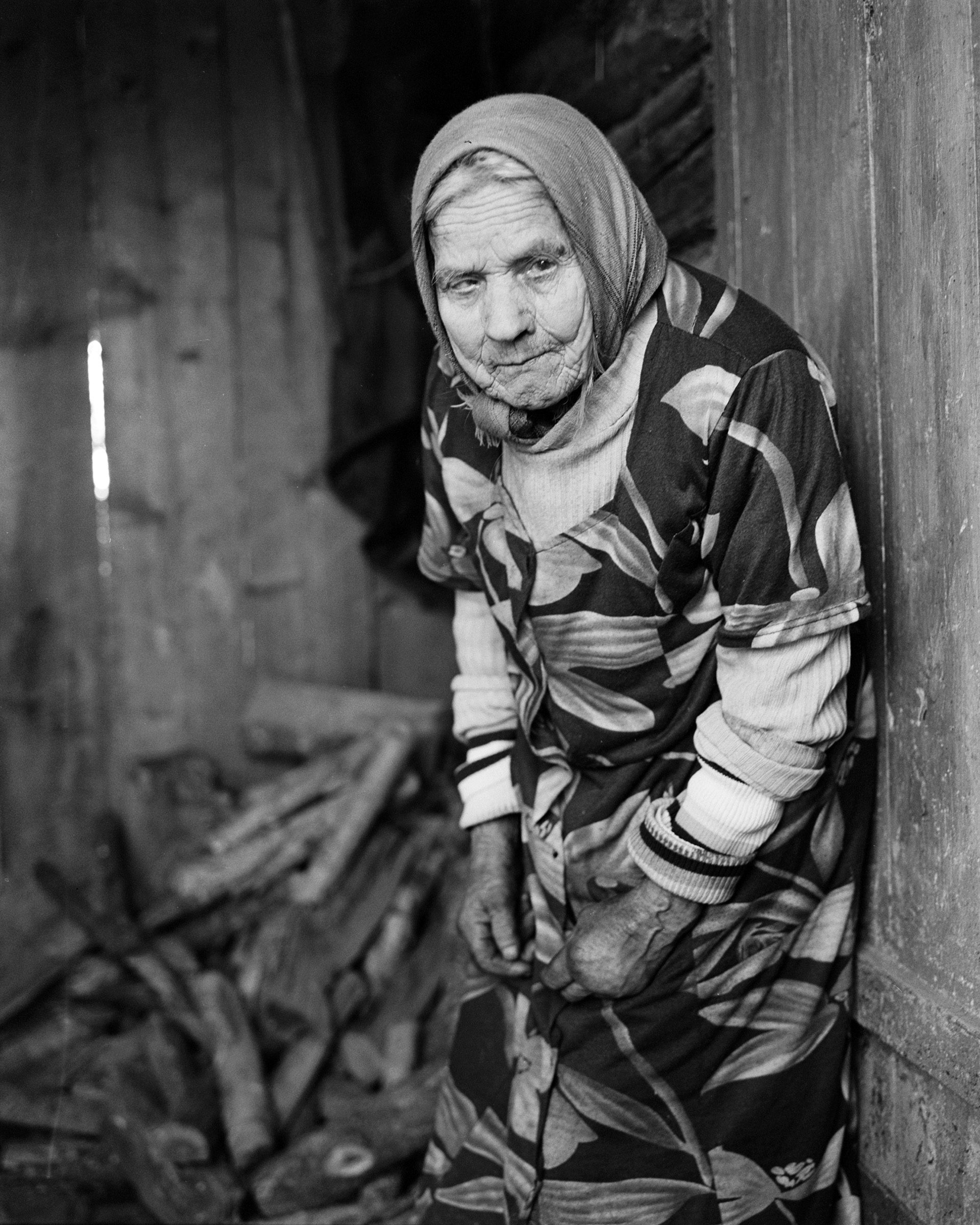 Black and white film image of Belarus traditional healer by Siarhiej Leskiec
