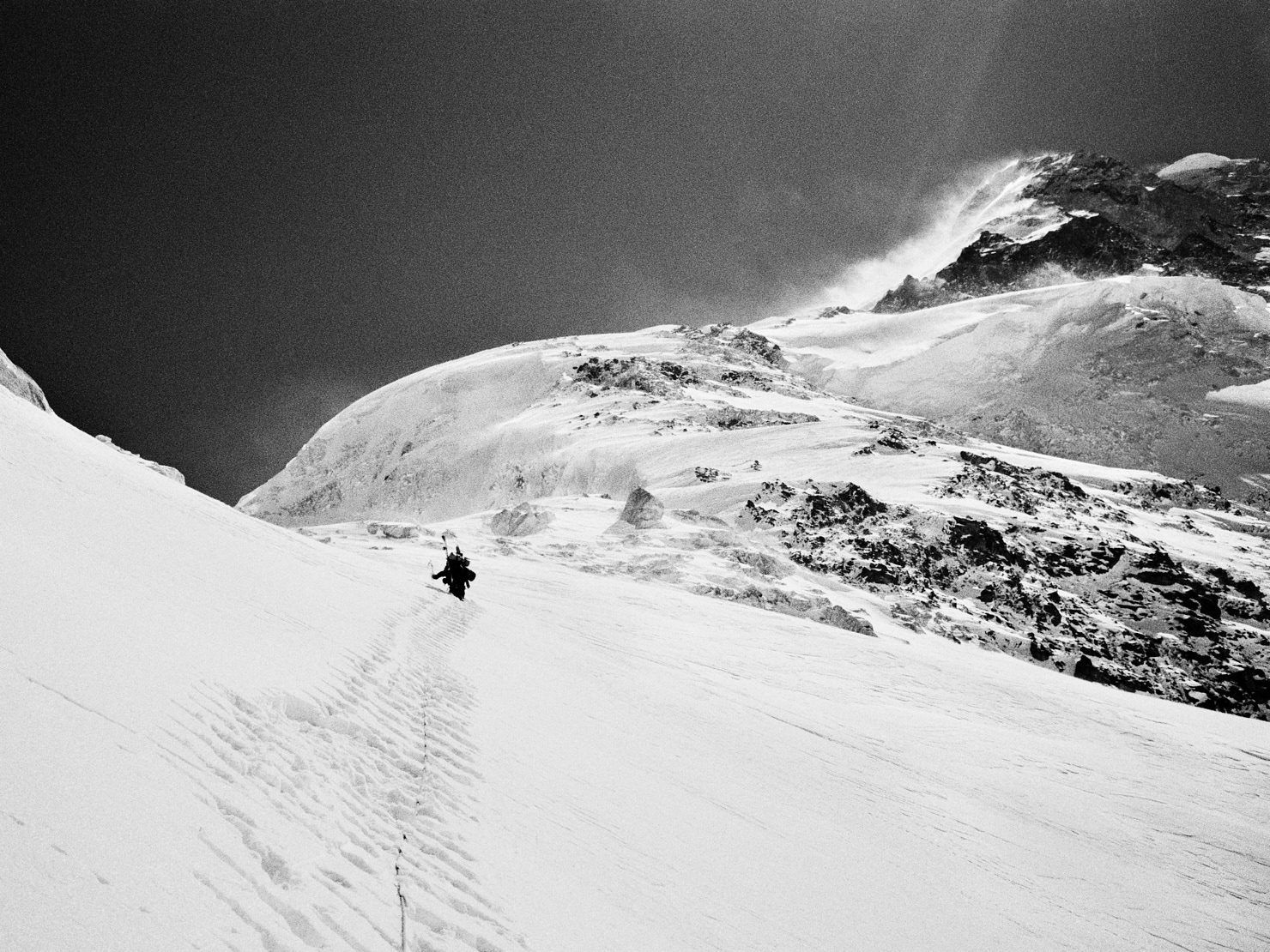 Anders Ödman on Pik Pobeda East (6762 m) in the Kyrgyz Tian Shan. Image taken prior to making the first ski descent. Contax T3, B+W yellow filter and Agfa APX 100 (in HC-110). Flextight X1 Scan.