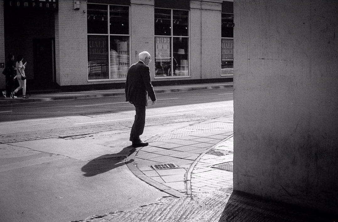 barnaby_nutt Into the light. @ILFORDPhoto #ilfordphoto #street #fridayfavourites  #believeinfilm #LeicaM6 @FP4Party @sunny16podcast @negativepositives