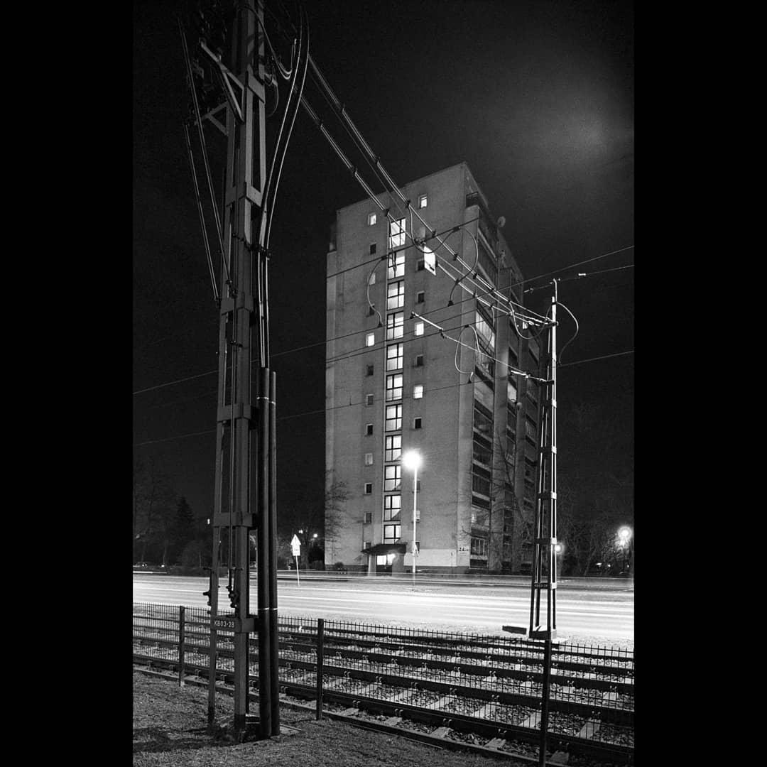jarekmatla Kraków by night . Nikon F6, Ilford HP5+ in DD-X . #fridayfavourites #ilfordhp5 #ilfordphoto #35mm #ishootfilm #filmisnotdead #analoguephotography #photography #ibelieveinfilm #filmphoto #35mmfilm #thinkblackwhite #bnw #bestofanalog #bnw_life #analogfeatures #mdays #35mmanalog #analogue #analoguevibes #analogcamera #monochromatic #bnw_planet #analogfilm #loveofbw #BUNTmag #nikonf6 #nikon #tiltshift