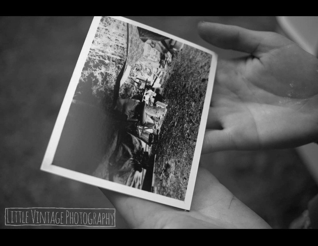 @VintagePhotoCo 22h22 hours ago Hootlet More Replying to @ILFORDPhoto Ok, here's one of an artist holding the paper negative image I shot of them using an @ILFORDPhoto #Obscura #pinhole camera outside #KurtSchwitters #Merzbarn 🌿🎞️📸 #shotonpaper #fridayfavourites