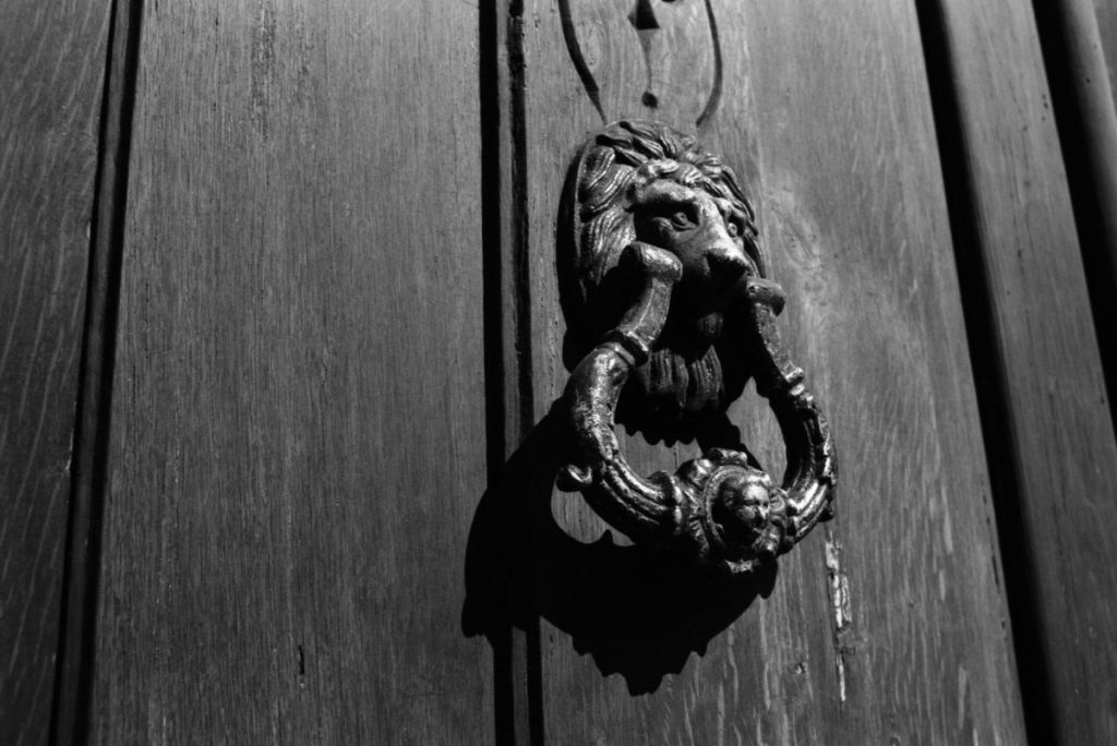 @ebojorq Jun 12 Hootlet More and a few more doors for this week's #texture theme. This time on FP4 Plus. @ILFORDphoto #FP4Plus - Asahi Pentax #Spotmatic #filmphotography #believeinfilm #shootfilmbenice #Ilfordphoto #fridayfavourites