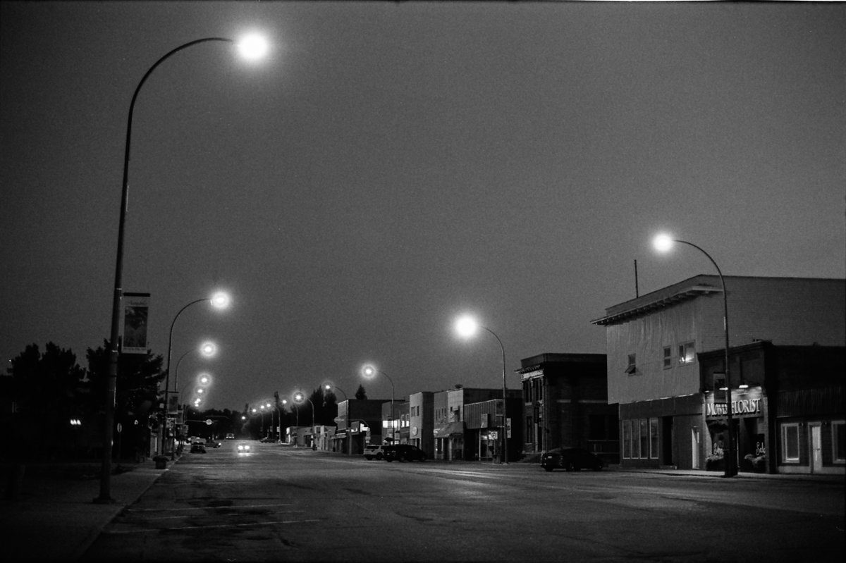 @phall715 Jun 29 Hootlet More Wandering little towns at night with HP5: Assiniboia, Saskatchewan. (Outtake from my upcoming zine). #believeinfilm #ilfordphoto #fridayfavourites #happyfilm