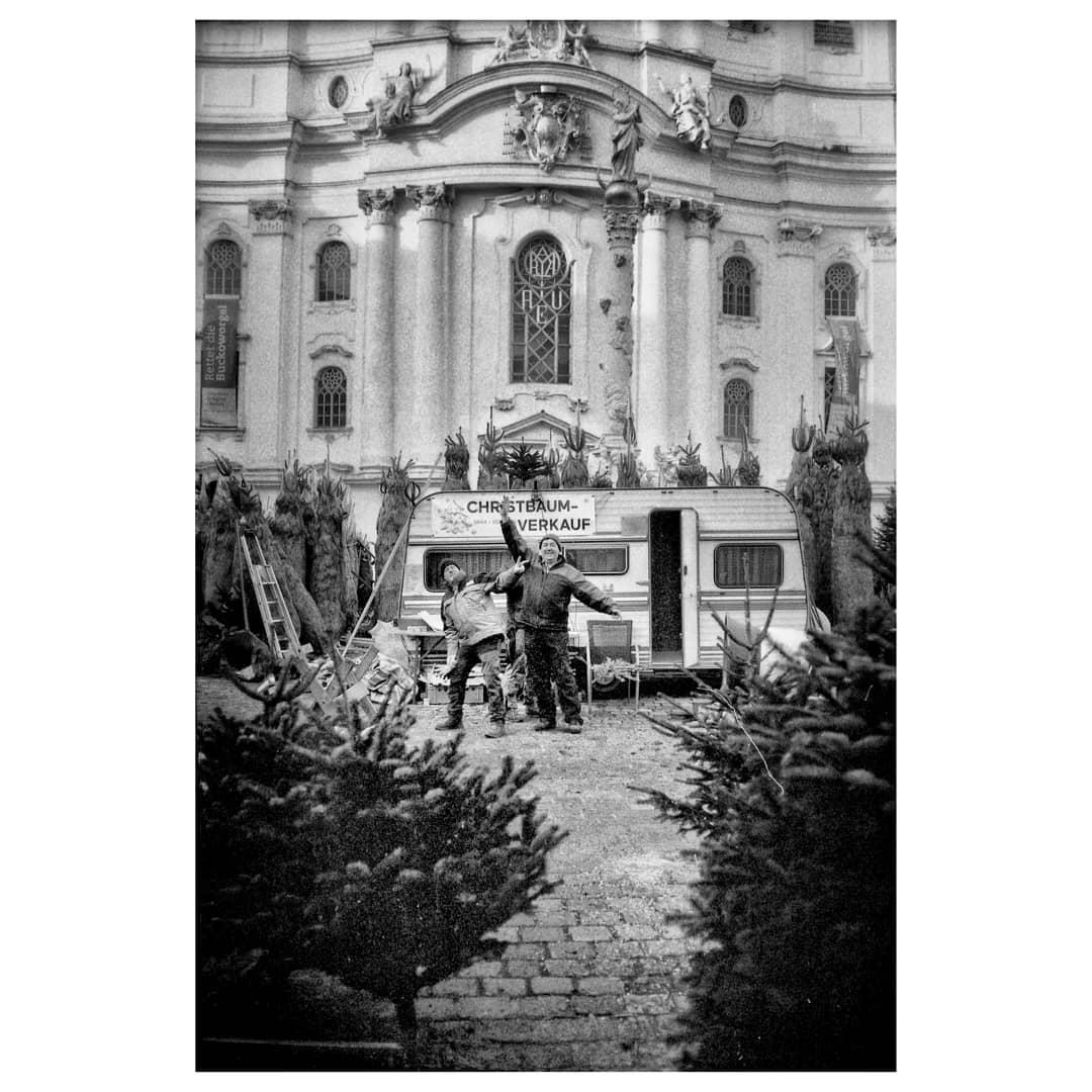 tickooni Last Christmas, I gave it to someone special. #wienanalog #viennablackandwhite #blackandwhitexmas #leicagallery #leicam4p #ilford #ilfordhp5 #ilfordfilm #ilfordphoto #fridayfavorites #film35mm #filmphotography
