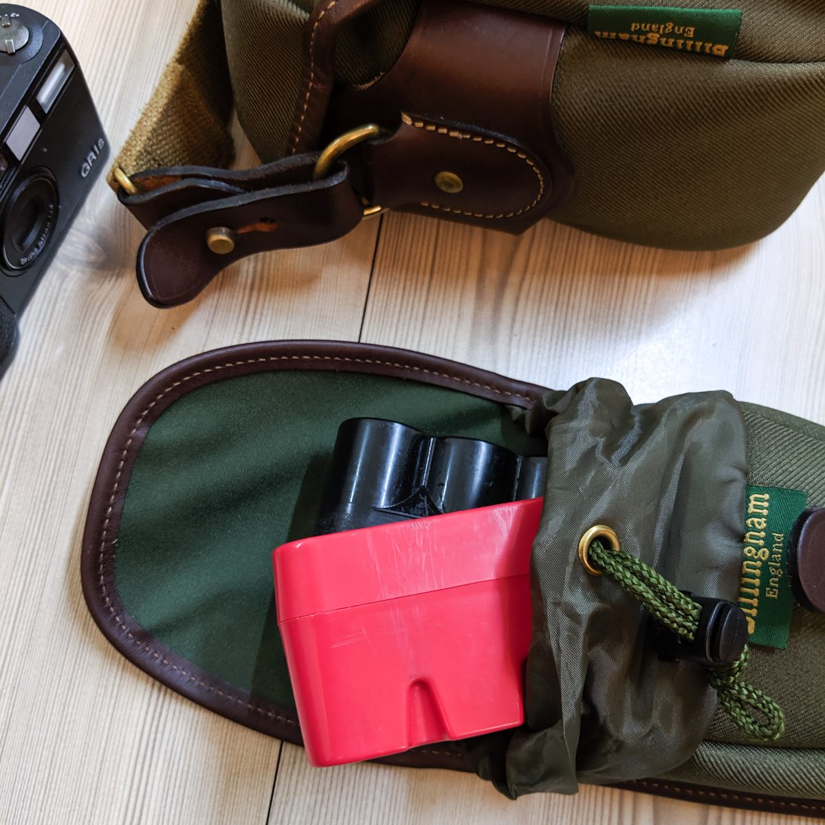 JCH-cases-Ricoh-GR1s-and-Billingham-Hadley-Small-Pro-with-AVEA-7