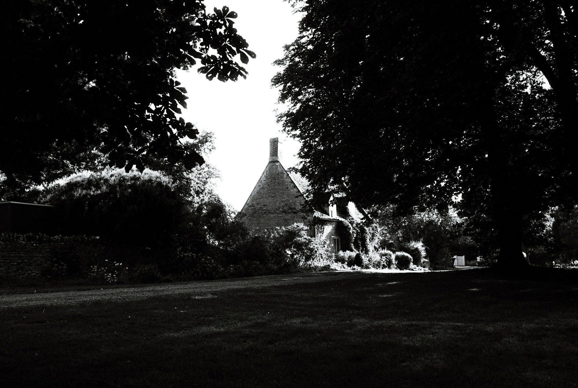 @henrycwh1500 Cottage, Elton, Peterborough @ILFORDPhoto delta 100 #fridayfavourites #ilfordphoto #believeinfilm #shootfilmbenice #nenevalley