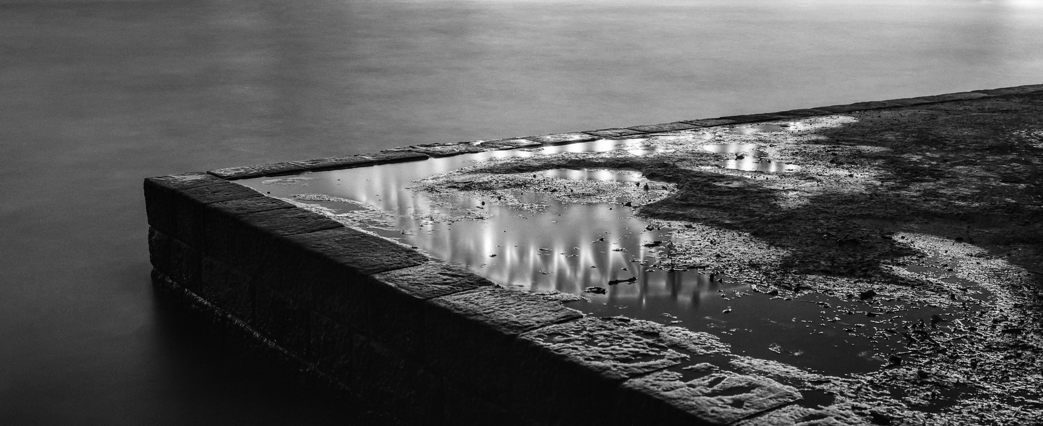 @billthoo Replying to @ILFORDPhoto Ephemeral reflections on Sydney. May 2018. #FP4 (135 with adapter) in a Pentax 6x7. #ilfordphoto #fridayfavourites #nighttime #analognights #shootfilmbenice #believeinfilm #filmphotography #ilovesydney