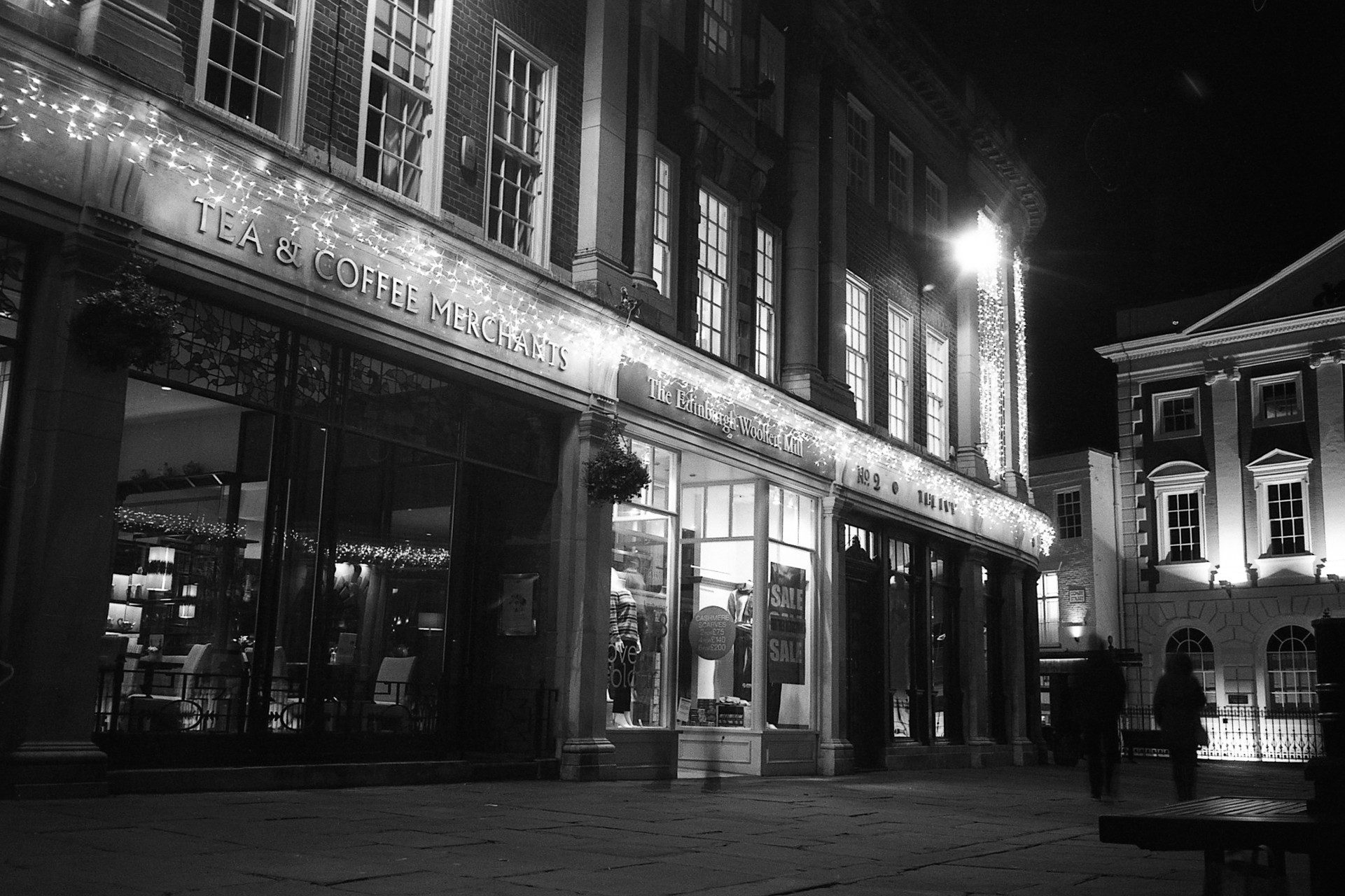@calor_gas_terry Here's my #nighttime shot for this week's #ilfordphoto #fridayfavourites - a long exposure from York in my XA with the wonderful Delta 100