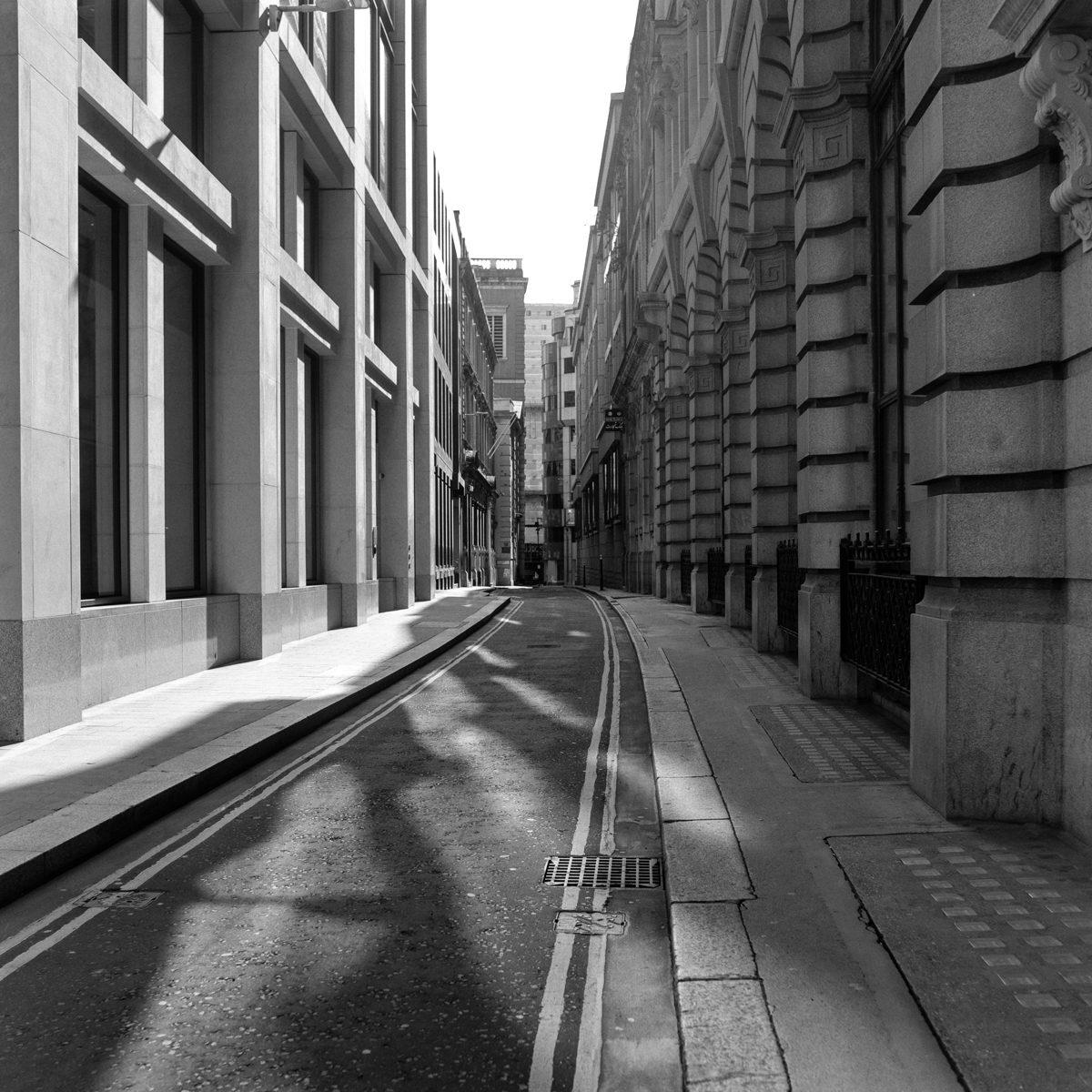 Lockdown London Images @lckdldn shot on ILFORD black and hite film by Giacomo Mantovani