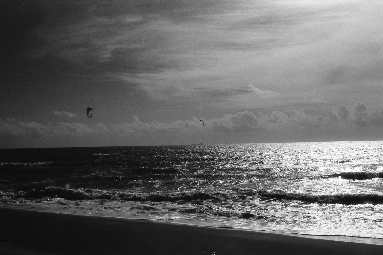 @johbeil Leica R4 with Summilux-R and black filter on Ilford SFX 200 #ilfordphoto #shotonsfx #infrared #Leica #Fregene #beach #bnw