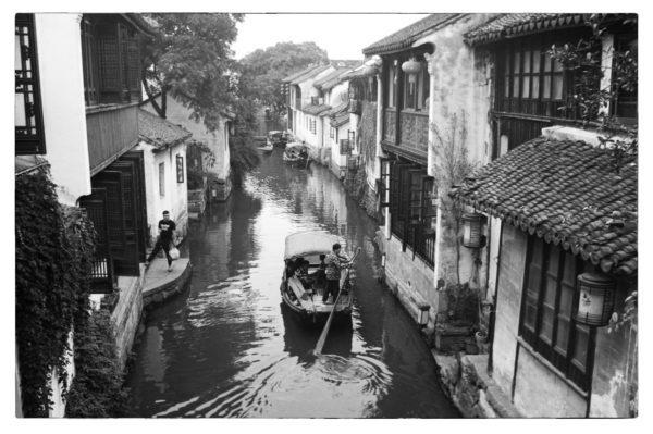 @CarlosCarreter Minox 35 GT-E + XP2 Super. 3) Zhouzhuang All pictures taken in China, 2019. #ilfordphoto #fridayfavourites #shotonXP2