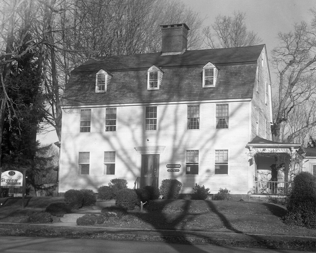 "@JoeCCunningham ""Hayward House, built in 1775"". Shot on #IlfordPhoto #fridayfavourites #fp4plus 4x5, #shotonsheet with a Kodak Empire State No 2 (5x7), Ilfotec DD-X 1+4."