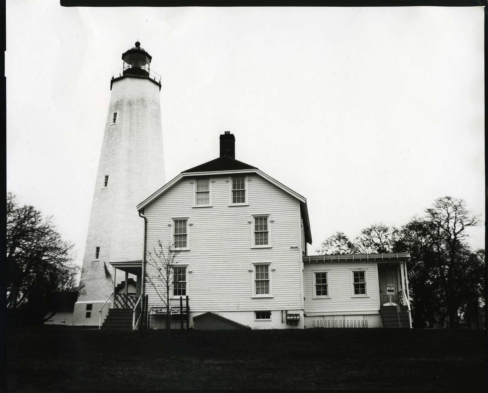 @thereisnocat Sandy Hook Lighthouse, shot on Ilford Direct Paper with an @Intrepidcamera 8x10 large format camera #shotonsheet #ilfordphoto #fridayfavourites