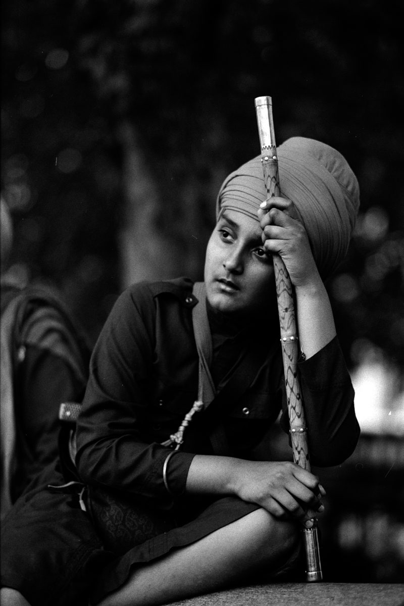 Black and white film image of Sikh remembrance day shot on ILFORD Delta 100 film by Simon King