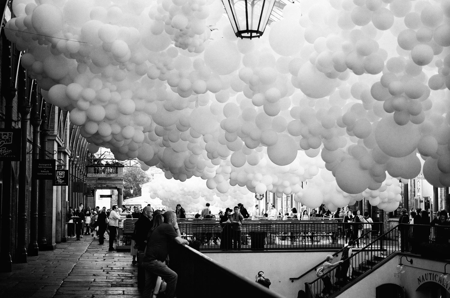 Black & white film photography by Sandeep Sumal Favourite_CoventGarden_XP2_OlympusOM1n
