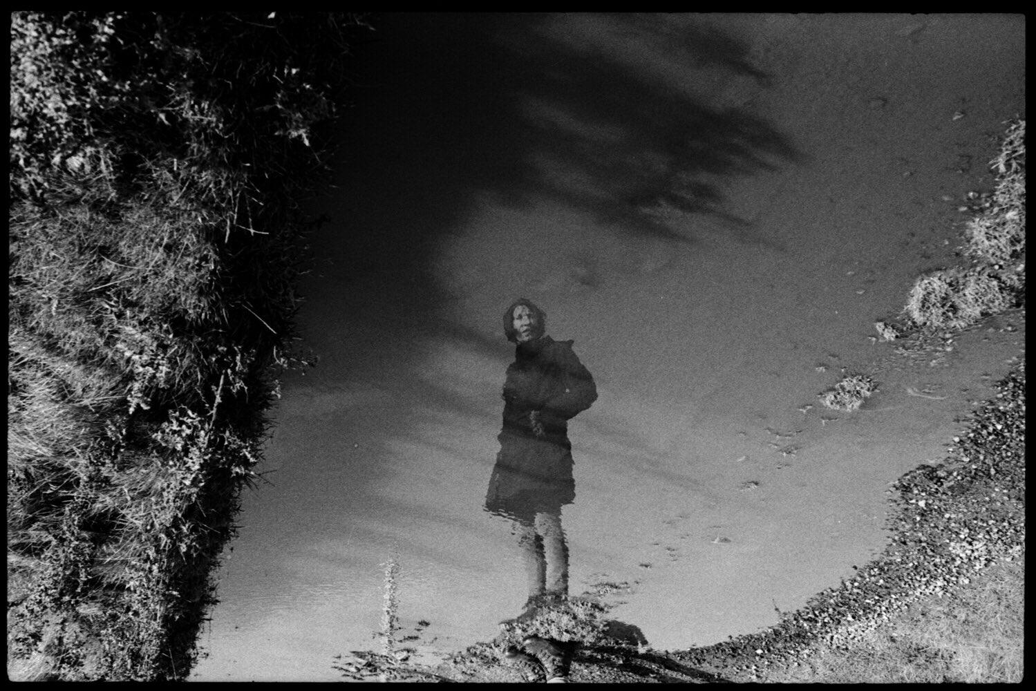 @markmoranphoto Canon P / Jupiter 8 / Ilford HP5 / Ilfotec HC #ilfordphoto #fridayfavourites #lightonfilm #believeinfilm #filmsnotdead #reflection
