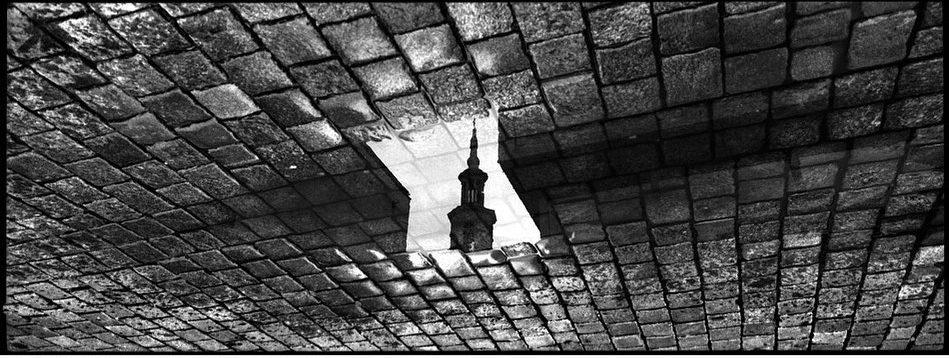 poloczanski_mikolaj Poznań #hasselbladxpan #xpan #monovisions #monovisionsawards #ilford #ilfordfilm #ilfordphoto #ilfordxp2 #ilfordxp2super400 #bnw #bnwphotography #bnw_captures #analog #analogfilm #analogcamera #panorama #panoramiccamera #24x65 #filmnotdead #enjoyfilm #shootfilm #myfavouritefilm #fridayfavourites #panoramic #xp2 #xp2super
