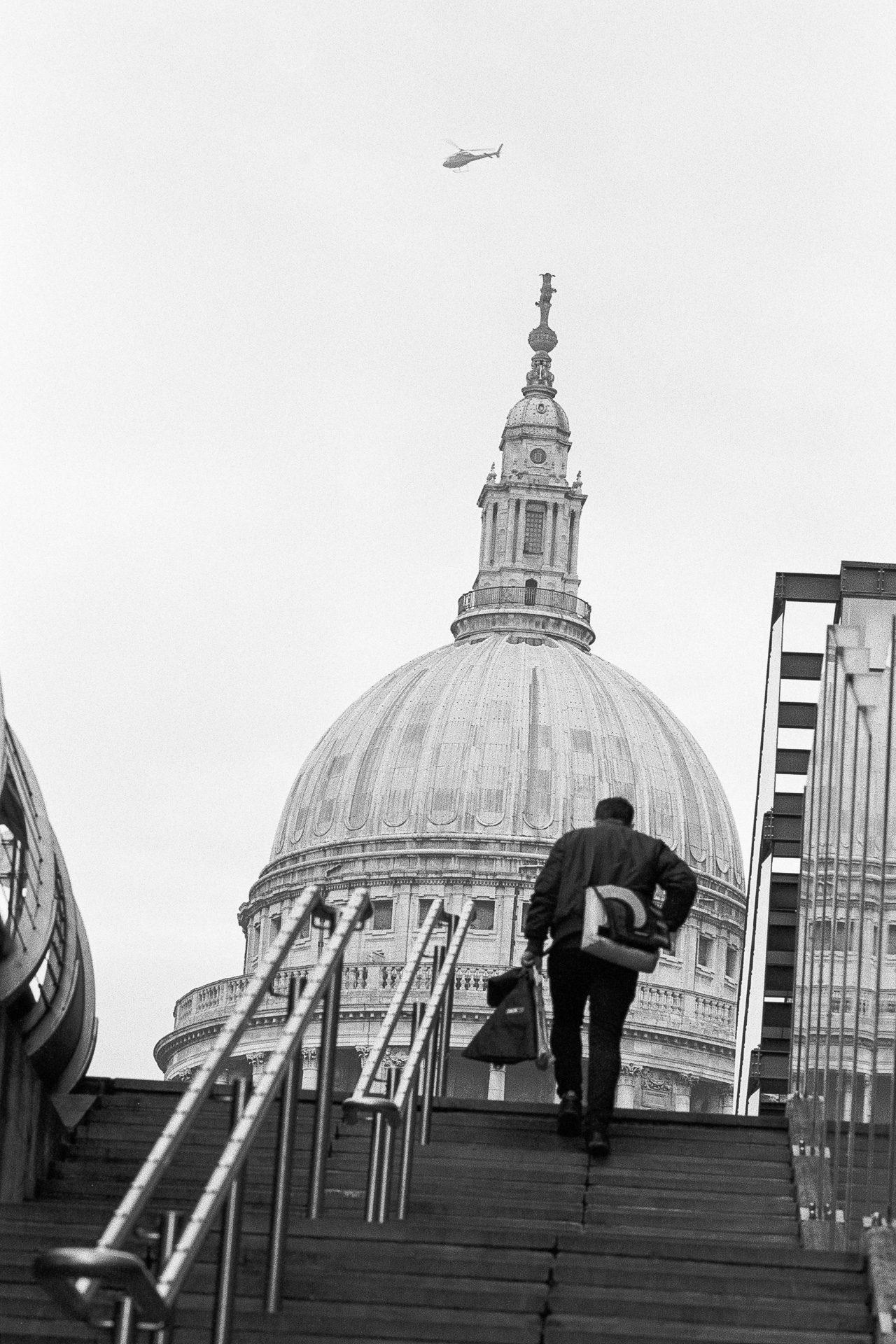 @paulasmithphoto Steps near St Paul's, London Camera - Canon EOS 3 Film - @Ilfordphoto FP4 EI125 Developer - Ilfotec HC 1+31 for 8mins #filmpeople shots for this week's #ilfordphoto #fridayfavourites.