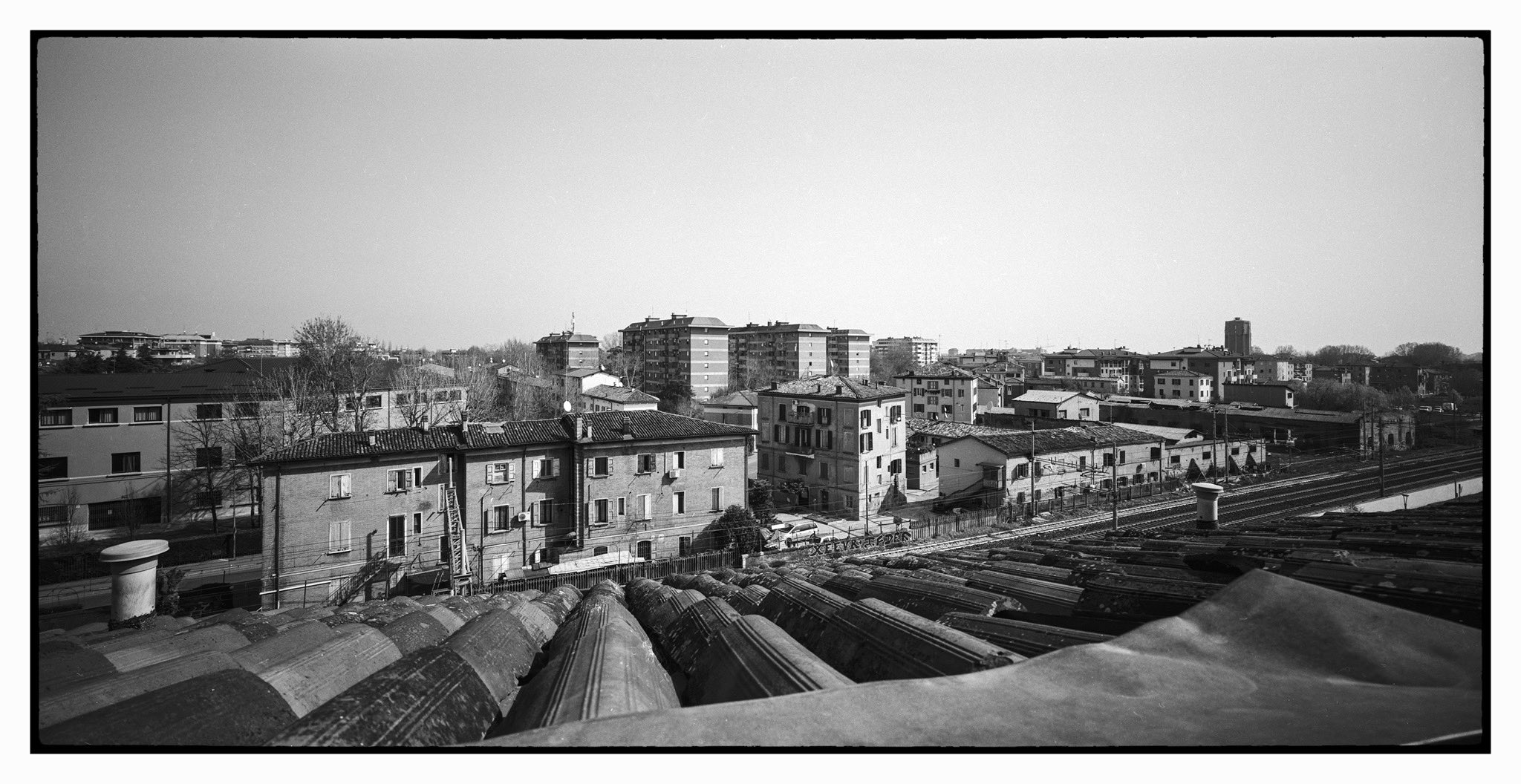 @andrearch71 From home in lockdown HP5+ and SilvestriCamera BicamIII 6x12 #ilfordphoto #fridayfavourites #panoramic