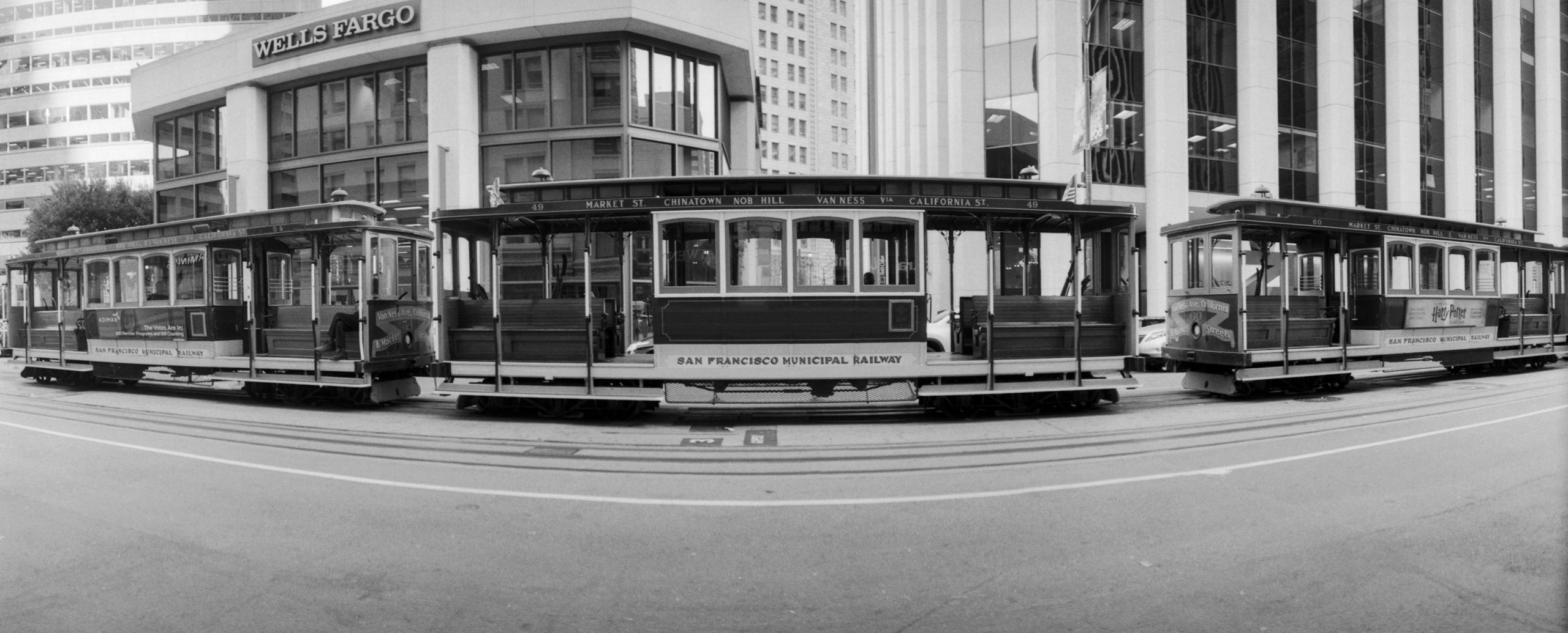@klizana California St. Cable Car #believeinfilm #ilfordphoto #FP4 #fridayfavourites #panoramic #horizont