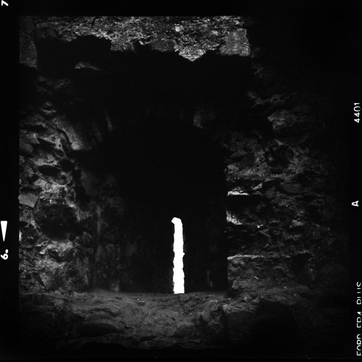 IlfordFP4_Hasselblad500C_Cricirith_Castle