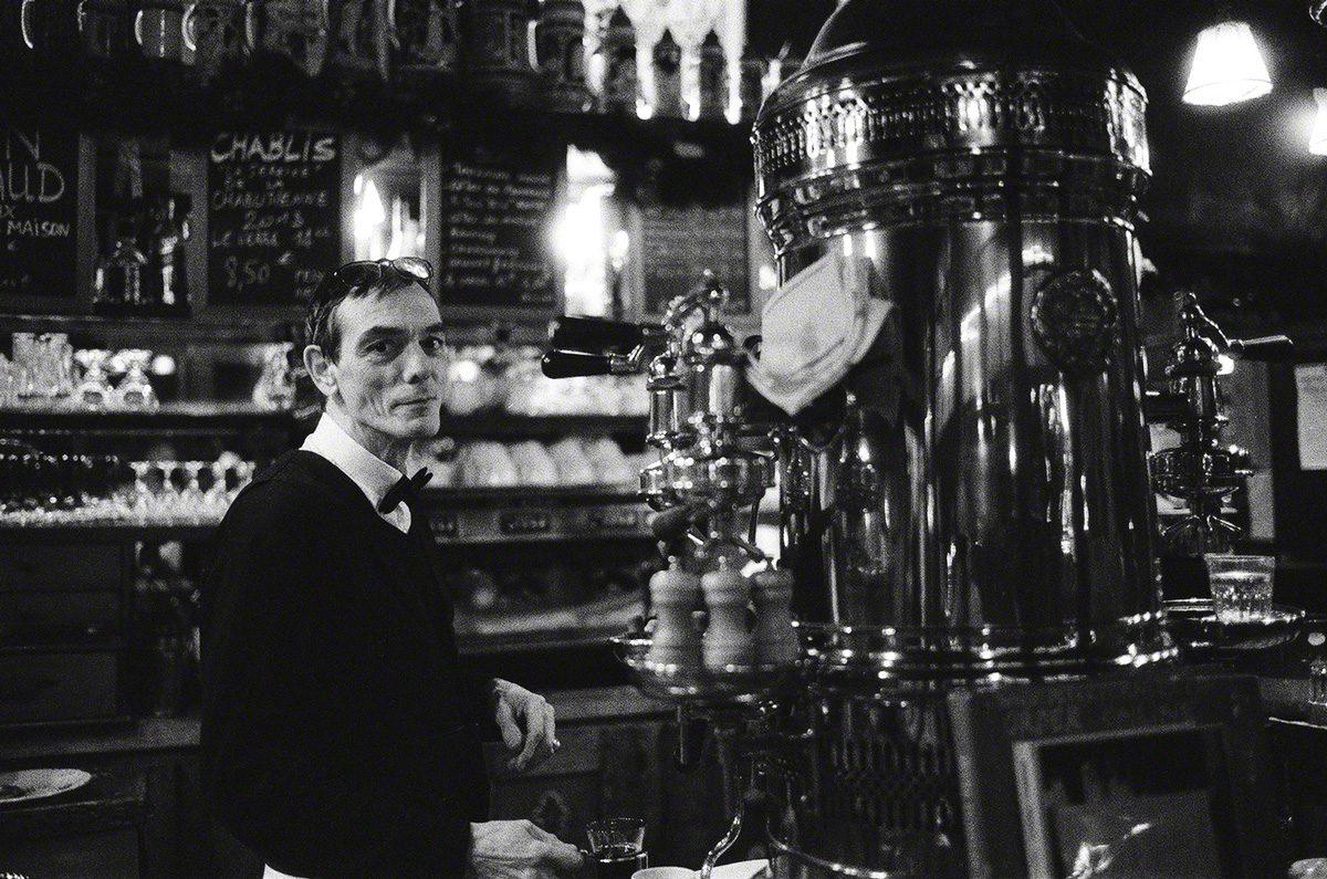 @BlkWhiteFilmPix A glass of hot wine at Paris' La Brasserie Isle Saint-Louis will make you smile on a cold winter night #IlfordDelta3200 #ilfordphoto #fridayfavourites #positivenegative #Paris