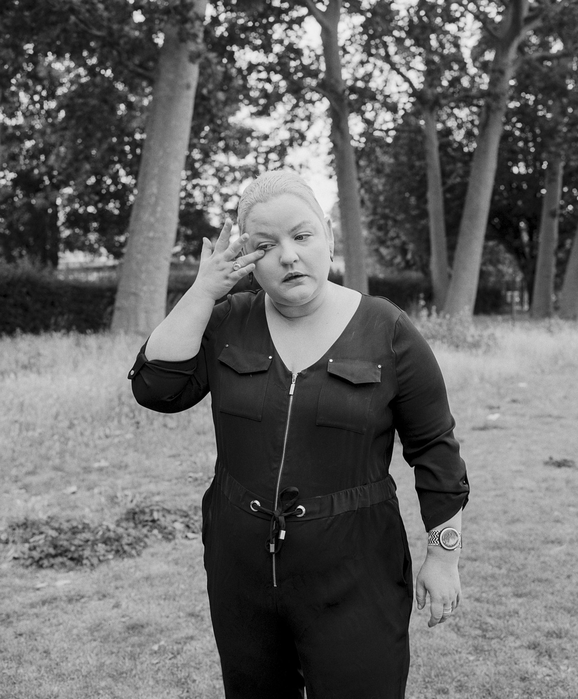 Lynne-IOD-ioanamarinca shot on ILFORD HP5 Black and white film