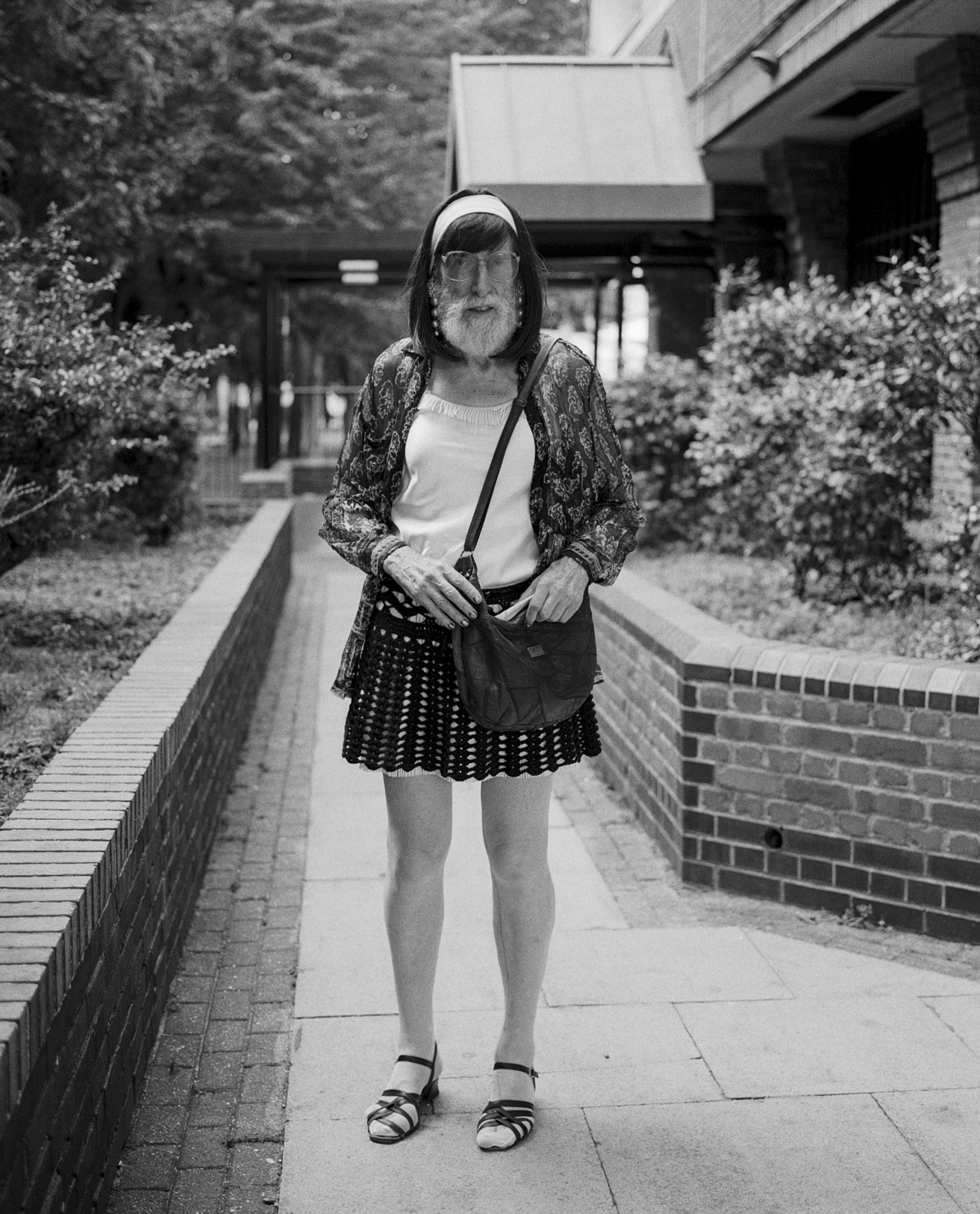 Tony-IOD-ioanamarinca shot on ILFORD HP5 Black and white film