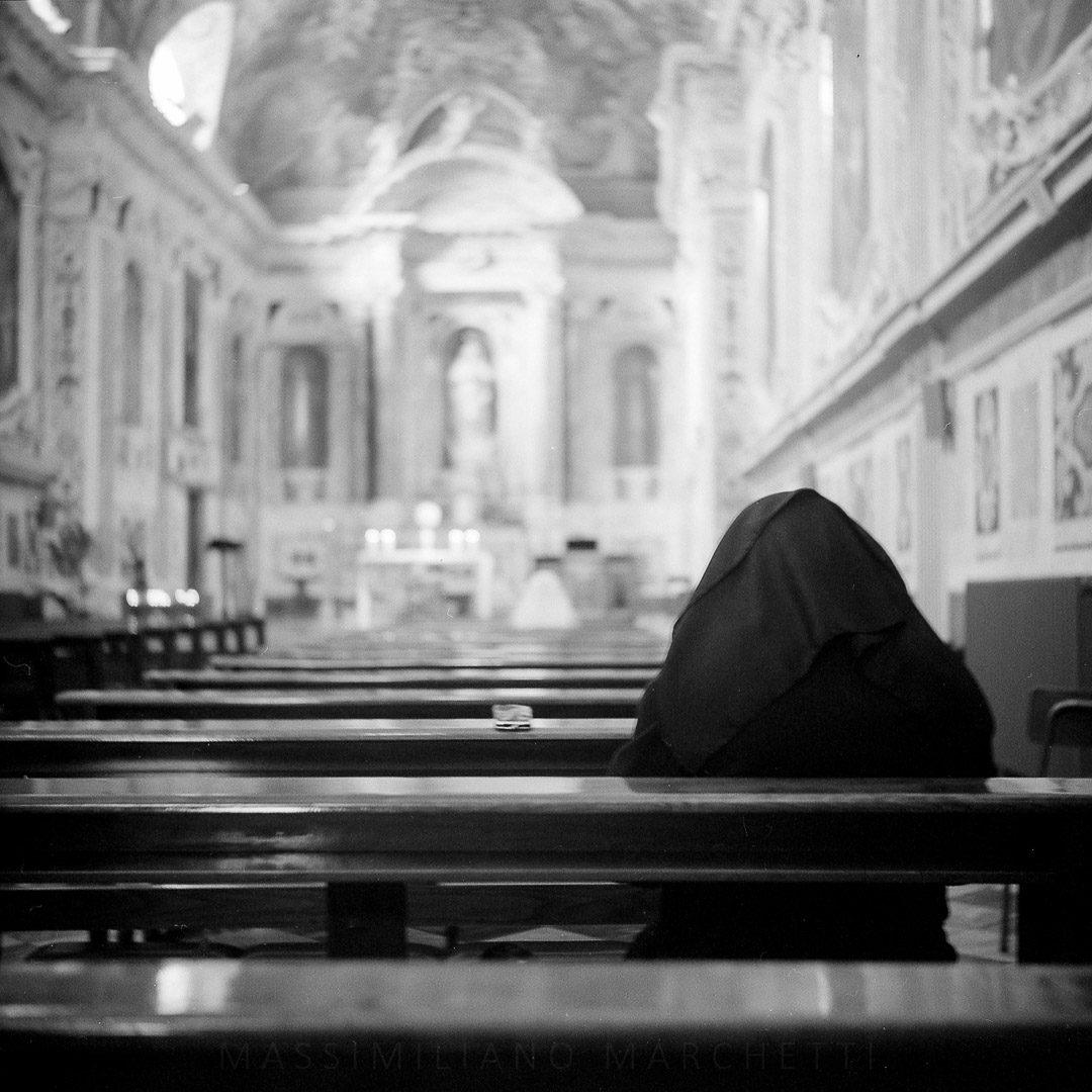 @emmef2 · 4h Replying to @ILFORDPhoto Concattedrale di Sansiro - Sanremo, Italy #ilfordphoto Delta 400 with Ikonta 521/16 #worshipfilm #fridayfavourites