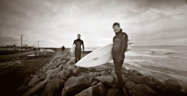 Surfers-Holga-SWC-Pinhole-HP5-Plus