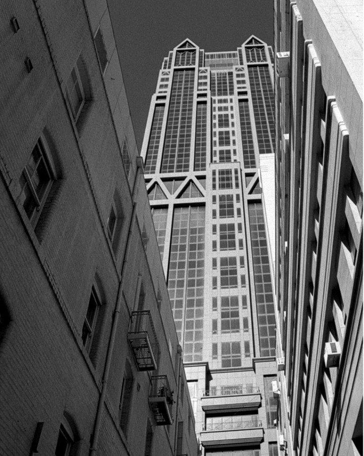 davidwilliams7037 Man Made Canyon Pentax ESII, SMC Takumar 28mm f3.5, Ilford HP5 home developed in Ilfotec LC29 1:19 #pentaxesii #smctakumar28mmf35 #ilfordhp5 #ilfoteclc29 #homedevelopedfilm #ilfordphoto #ilfordfilm #film #blackandwhitephoto #35mm #melbourne #littlecollinsstreet #architecture #ilfordphoto #fridayfavourites #ffheight
