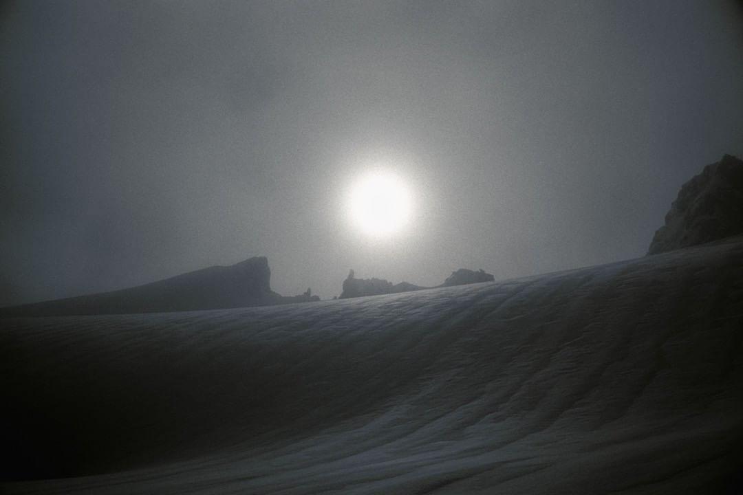 ps_alpine_photo Spearhead glacier in the mist. Whistler, BC, Canada. #Canada #BritishColumbia #spearheadglacier #ContaxT3 #film #IlfordFP4 #ultrafin #ilfordphoto #fridayfavorites #alienfilm