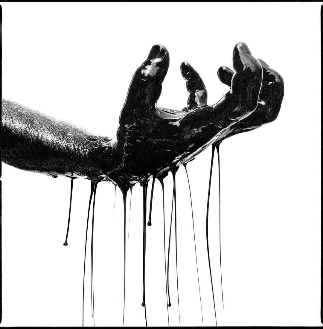 steve_jacksun Oil Hasselblad 501cm 50mm Cfi Ilford Delta 3200 Ilford Perceptol #ilford #ilfordphoto #fridayfavourites #handsonfilm #ilforddelta3200 34w